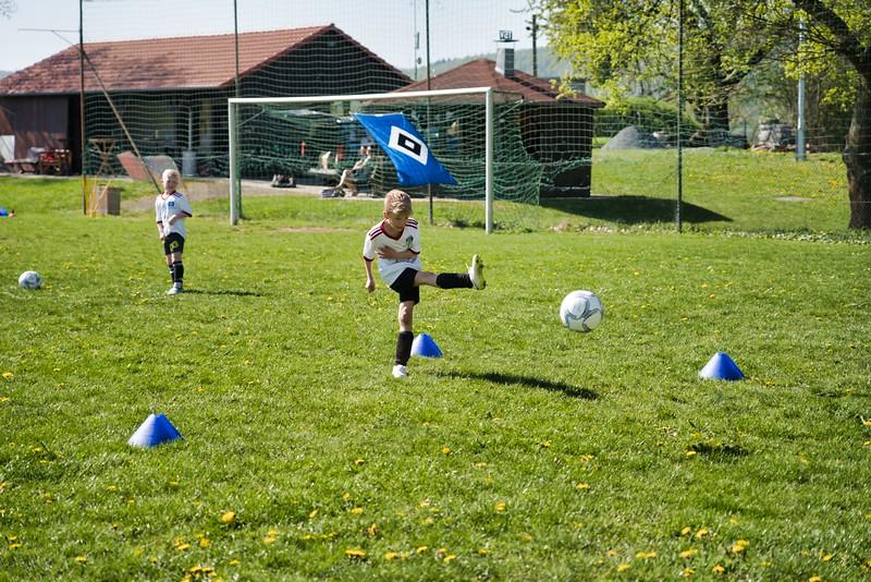 hsv-fussballschule---wochendendcamp-hannm-am-22-und-23042019-w-59_47677906192_o.jpg