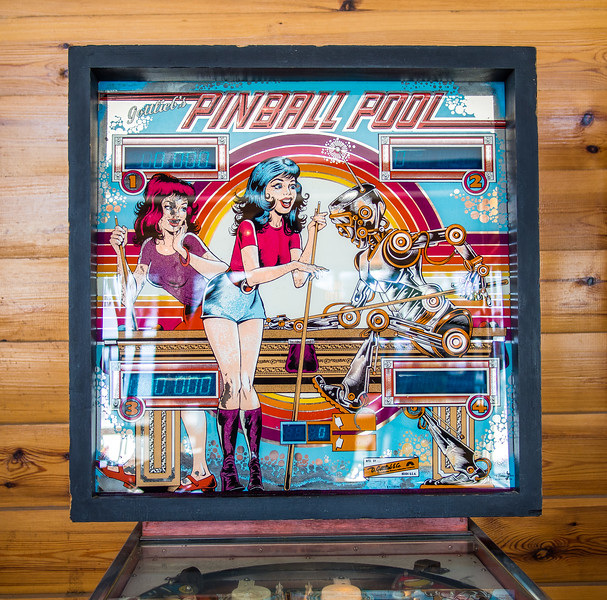 Retro pinball machine