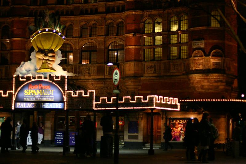 london-at-night_2124836603_o.jpg