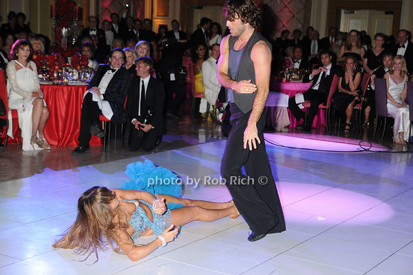 Dancing with the Stars Alec Mazo and Edyta Sliwinska photo by Rob Rich © 2009 robwayne1@aol.com 516-676-3939