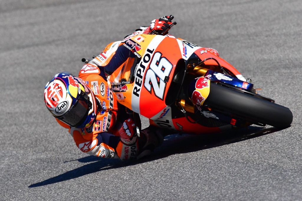. Spain\'s rider Dani Pedrosa steers his Repsol Honda during the third Free Practice session on the eve of the Italian MotoGP Grand Prix at the racetrack in Mugello on May 21, 2016. / AFP PHOTO / GIUSEPPE CACACE/AFP/Getty Images
