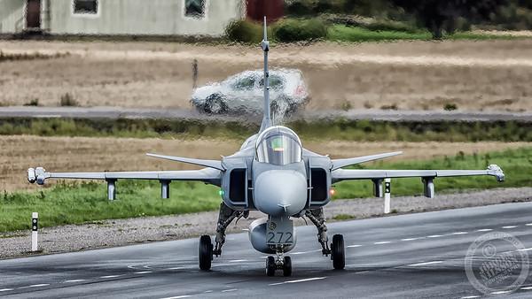 72 sqn road base landing