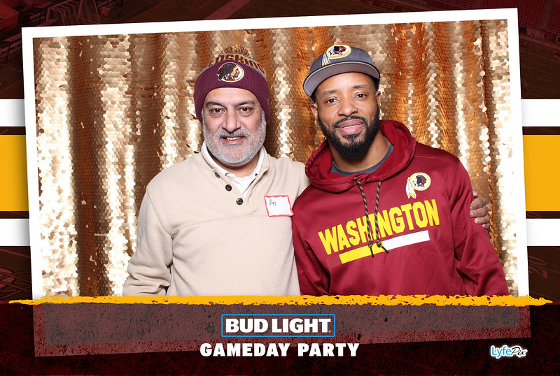 washington-redskins-philadelphia-eagles-football-bud-light-photobooth-20181203-205310.jpg