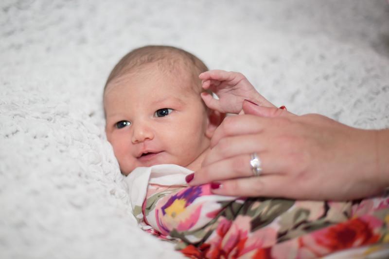 Rose Newborn17.jpg