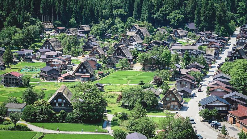 Views of Shirakawago from a high vantage point
