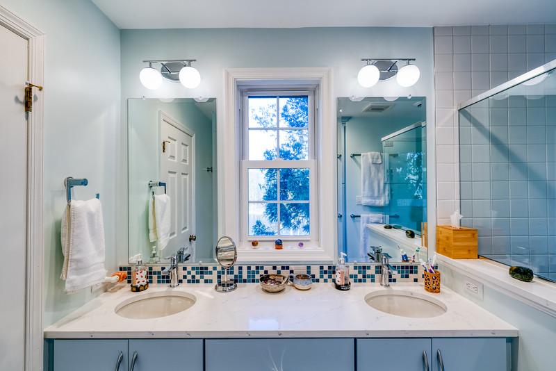 Oswald Bathroom 2020-3.jpg