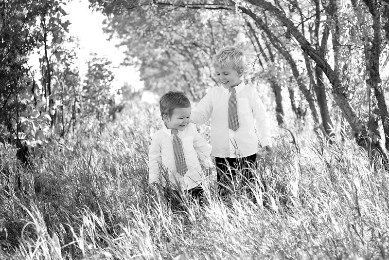 19bw Jacob+Wyatt | Nicole Marie Photography.jpg