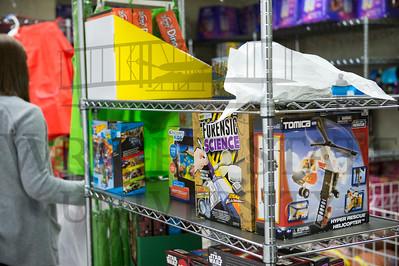 17236 FLOC Toy Cottage 12-15-15