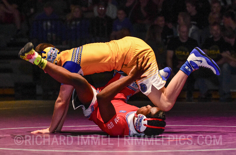 126: Ty Mills (Team Indiana) pin Malik Johnson (Team USA)