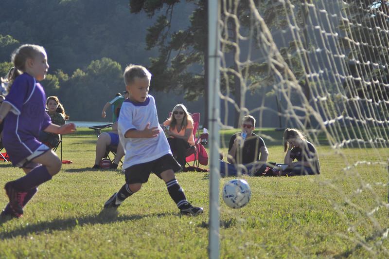 ayso-soccer-game2-0574.jpg