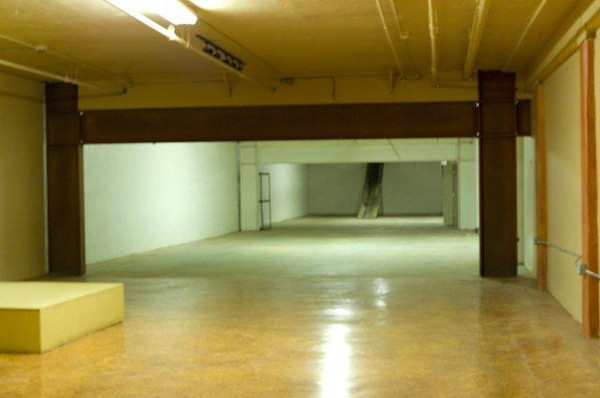 front of basement, I'm thinking to have the gallery up to the brown beams.  studio the rest of the area back.