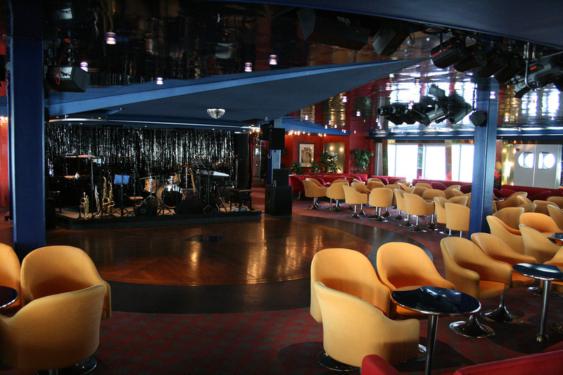 2011 - On board M/S C.COLUMBUS : Lounge, deck 4.