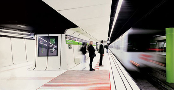 Drassanes Station, Barcelona..jpg