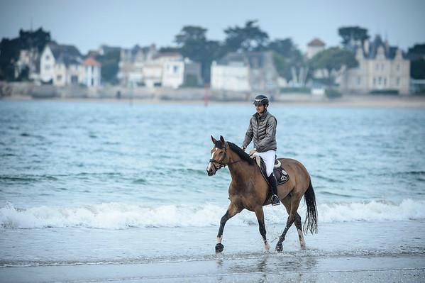 STEVE GUERDAT - PLAGE DE LA BAULE / ON THE BEACH