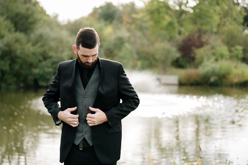 rustic_ohio__fall_barn_wedding-180.jpg