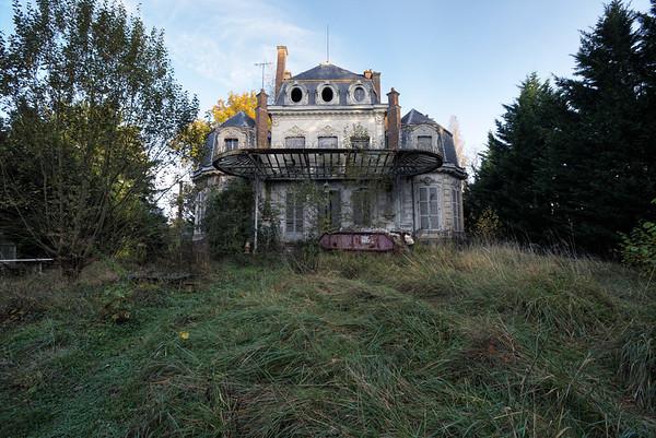 Chateau Piano