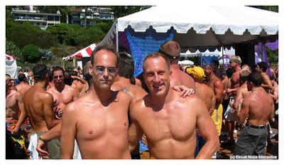 Laugna Beach Morning Party, CA