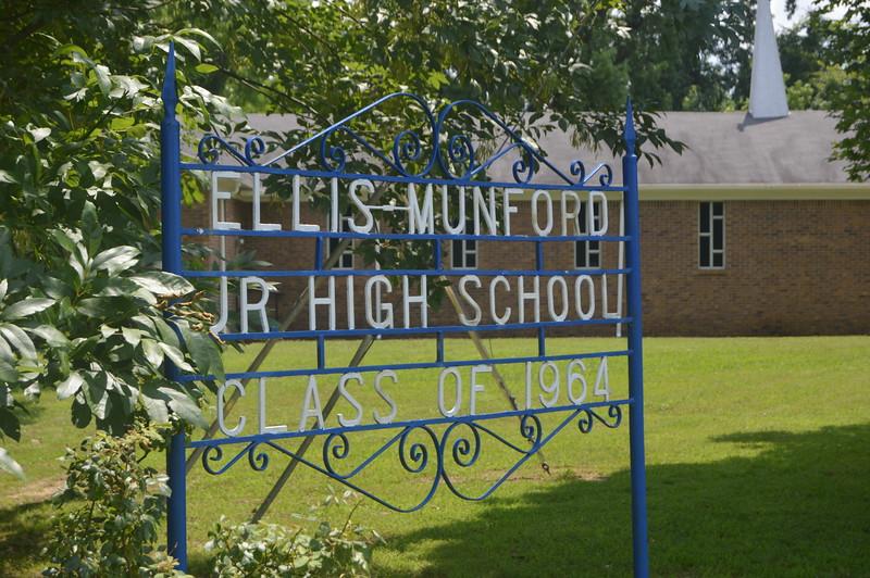 138 Ellis Munford Jr High Sign.jpg