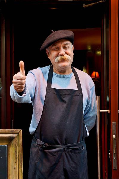 Paris Waiter 01524.jpg