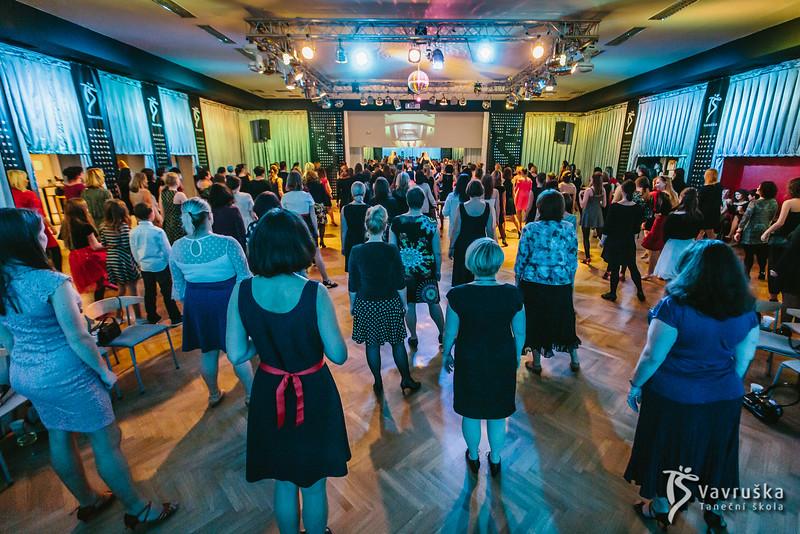 20191210-181601_0105-ladies-night-vavruska-charitas.jpg
