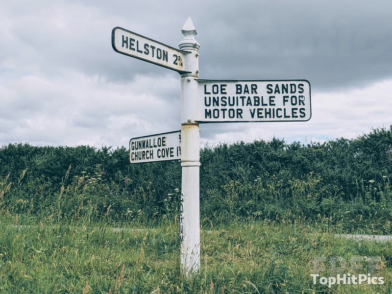 Loe Bar Sands Unsuitable For Motor Vehicles Sign in Cornwall, England