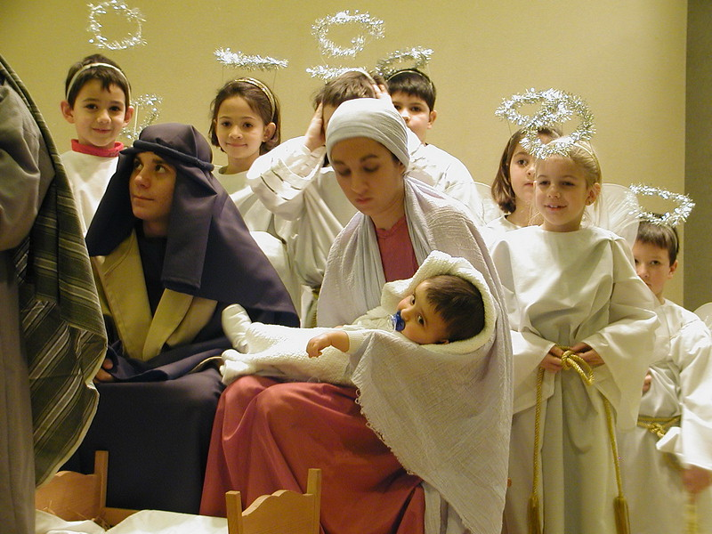 2002-12-21-HT-Christmas-Pageant_131.jpg