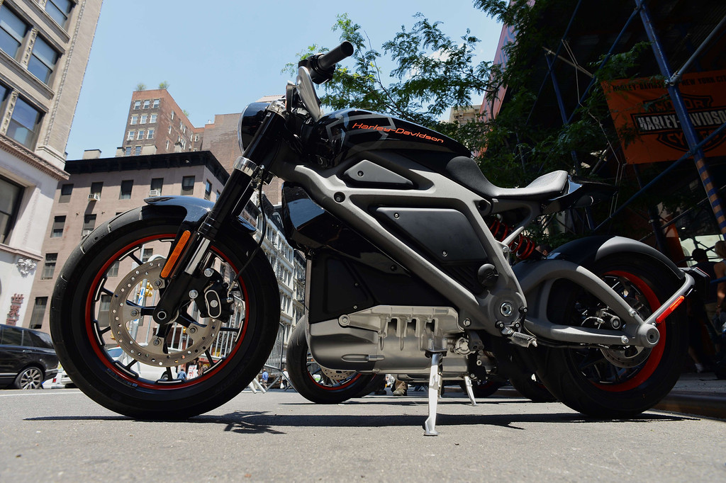 . A Harley-Davidson Project LiveWire, the company\'s first electric motorcycle, during a preview June 23, 2014 outside a Harley-Davidson dealer in New York. AFP PHOTO/Stan HONDA/AFP/Getty Images