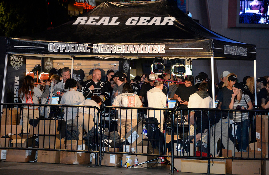 . June 13,2014. Los Angeles. CA.  LA Kings fans line up to buy up merchandise after the Kings won the Stanley Cup championship over the NY Rangers at Staple Center.  Photo by Gene Blevins/LA DailyNews