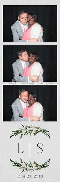 ELP0421 Lauren & Stephen wedding photobooth 9.jpg