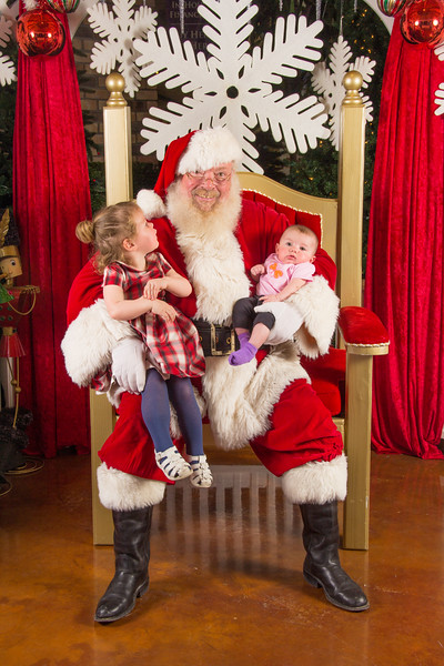 Santa 12-16-17-160.jpg