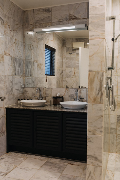Bathrooms with double basins