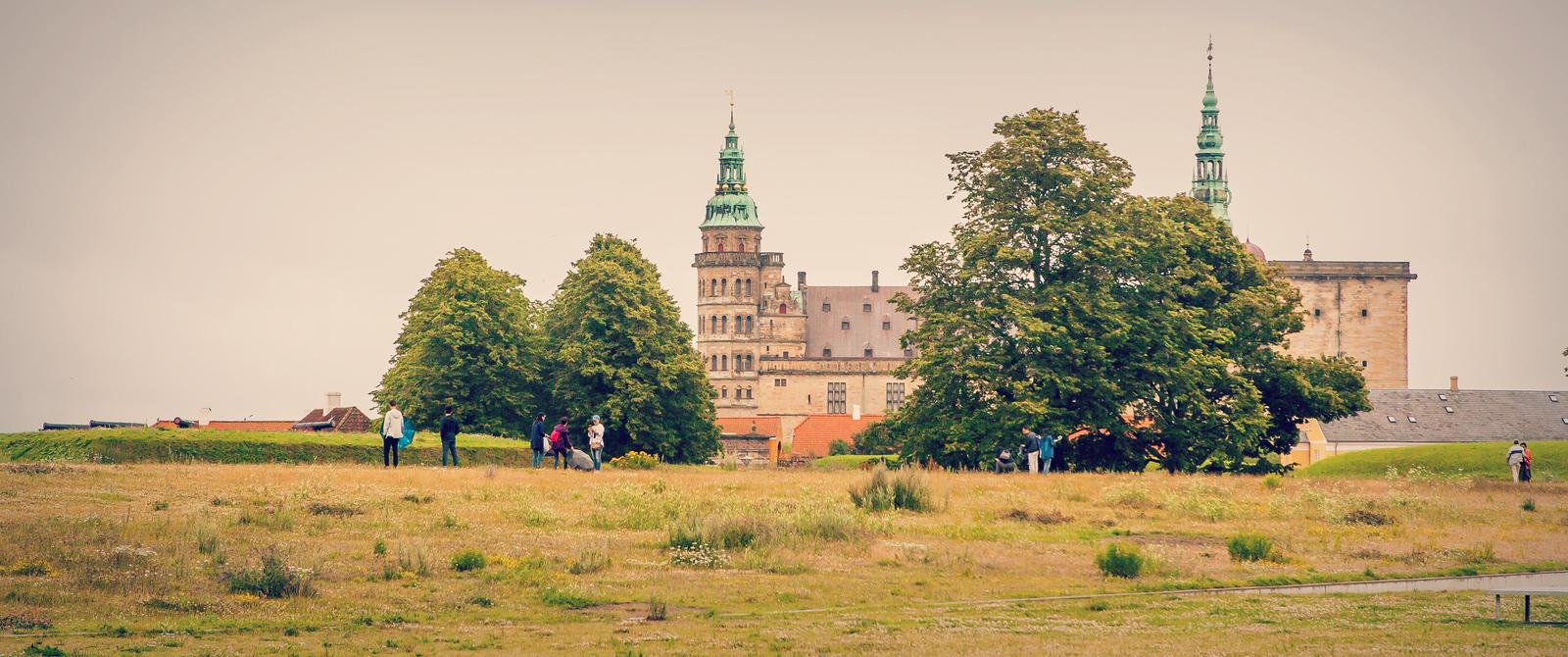 丹麦腓特烈堡城堡,周边的景色