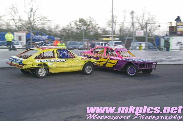 2L Saloon stock Cars, Northampton, 9 November