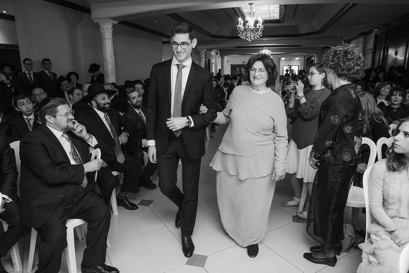 Miri_Chayim_Wedding_BW-535.jpg