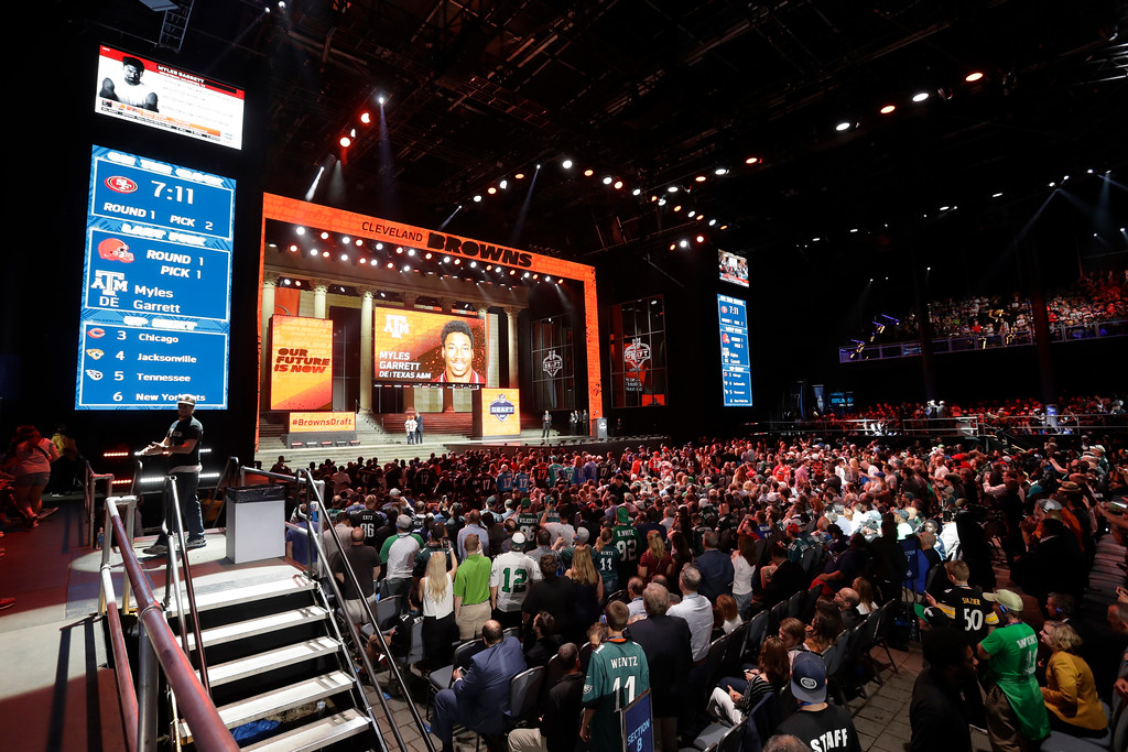 . Fans cheer after Texas A&M\'s Myles Garrett was selected with the number one overall pick by the Cleveland Browns during the first round of the 2017 NFL football draft, Thursday, April 27, 2017, in Philadelphia. (AP Photo/Julio Cortez)