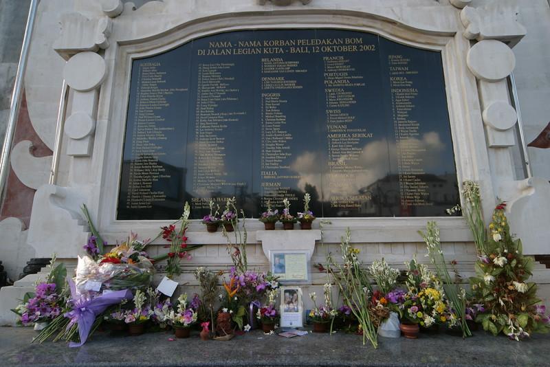 IN596-Bali memorial.JPG