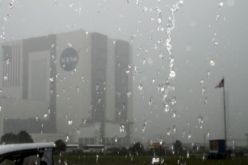 Unobstructed view of the Vehicle Assembly Building from the Twent, on the day before the launch