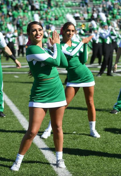cheerleaders0129.jpg