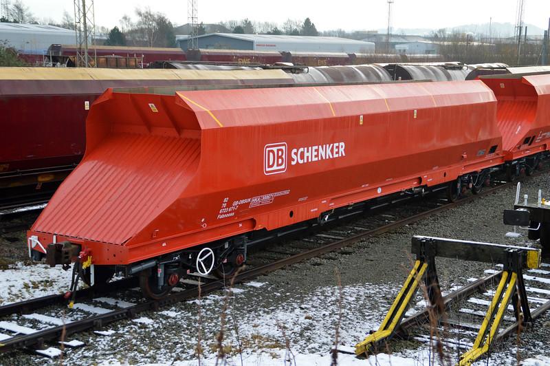 New refurbished HKA 82706723671-7 / 300671 seen at Warrington Arpley yard 29/12/14