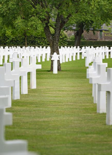 150605_Brittany_American_Cemetery_321.jpg