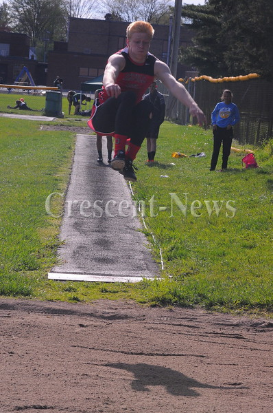 05-03-16 Sports Defiance county track @ Ayersville