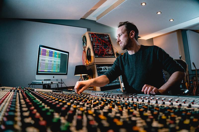 Tom Bish Studio 2019-7.jpg