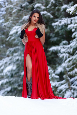 TM Red dress in snow