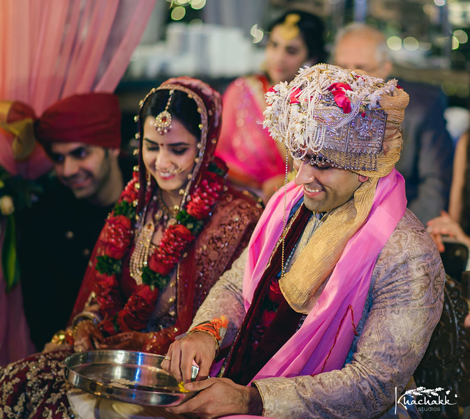 best-candid-wedding-photography-delhi-india-khachakk-studios_13.jpg