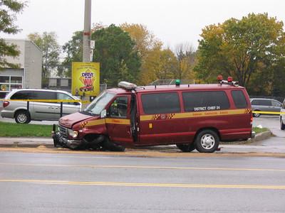 November 1, 2005 - MVC Involving Fire Department - Eglinton Ave E / Oswego Rd