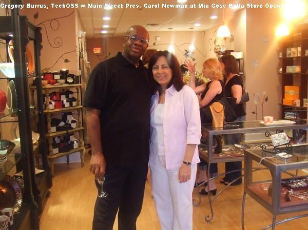 Gregry Burrus at Mia Cose Bella Customer Opening SO NJ - Pres Mainstreet South Orange Carol Newman.jpg