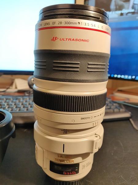 Canon EF 28-300mm 3.5-5.6L IS USM - Serial US0901 003.jpg