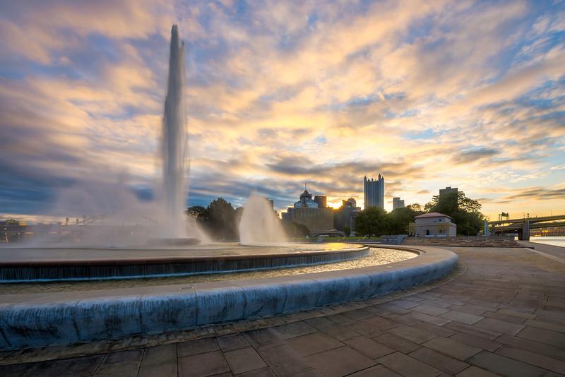 Fountain Fun Pittsburgh Point Park Sunrise.jpg