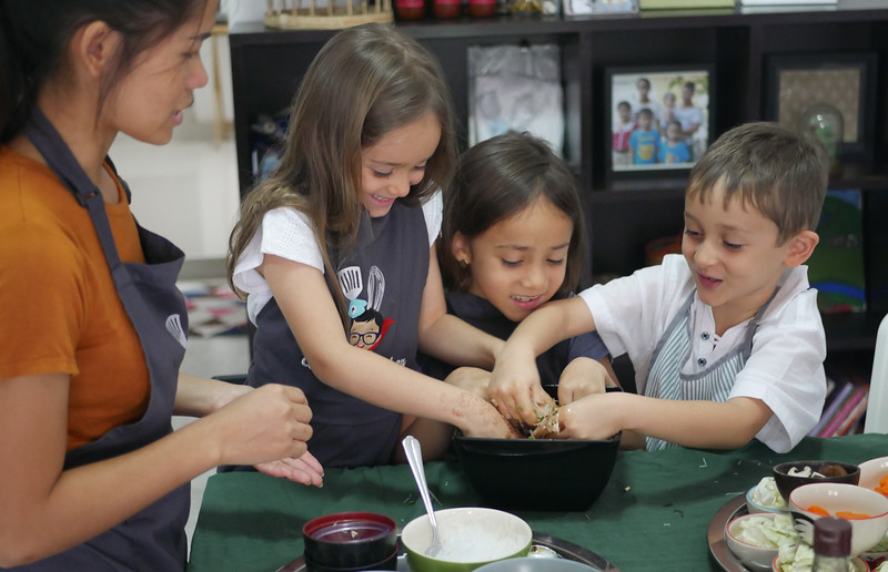 kids and family cooking class bangkok-1.jpg