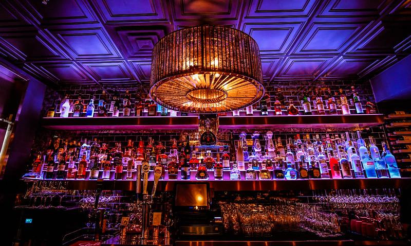 Silva's Bar & Grill